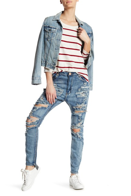 Preload https://img-static.tradesy.com/item/23296019/one-teaspoon-mustang-medium-wash-trashed-runaways-distressed-boyfriend-cut-jeans-size-23-00-xxs-0-0-650-650.jpg