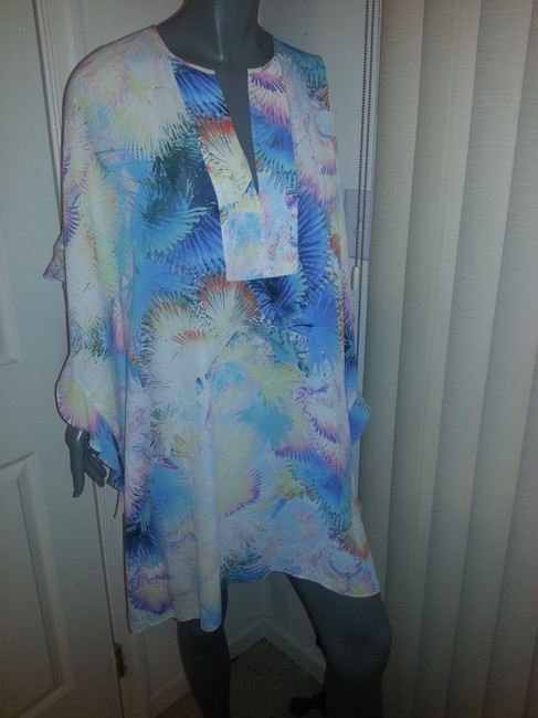 BCBGMAXAZRIA short dress Multi-color Silk on Tradesy
