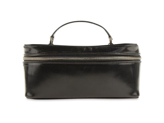 Preload https://img-static.tradesy.com/item/23296601/gucci-black-patent-leather-bamboo-cosmetic-bag-0-2-540-540.jpg