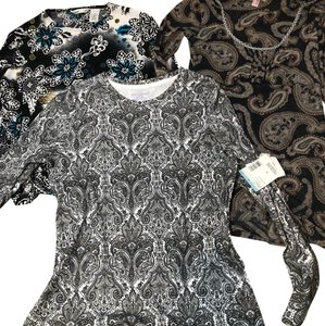 Sweet Pea by Stacy Frati Top black white gold blue