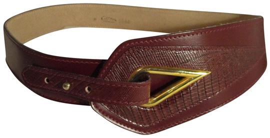Preload https://img-static.tradesy.com/item/23296773/burgundy-vintage-leather-belt-0-2-540-540.jpg
