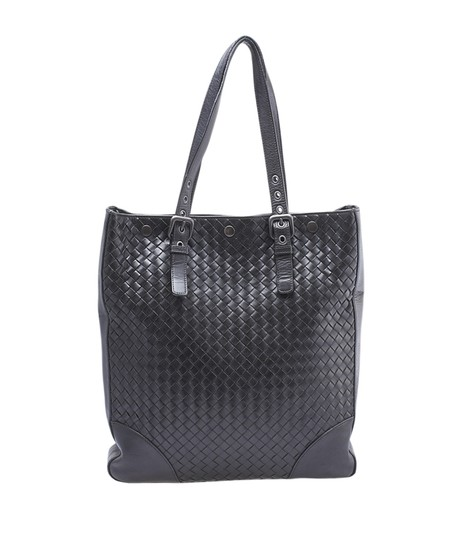 Preload https://img-static.tradesy.com/item/23296894/bottega-veneta-intrecciato-148338-black-leather-tote-0-0-540-540.jpg