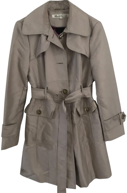 Preload https://img-static.tradesy.com/item/23296906/kenneth-cole-beige-trench-with-poppy-lining-jacket-size-8-m-0-1-650-650.jpg