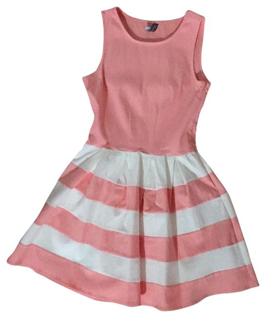 Preload https://img-static.tradesy.com/item/23297003/pink-fit-and-flair-short-casual-dress-size-4-s-0-1-650-650.jpg
