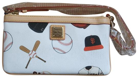 Preload https://img-static.tradesy.com/item/23297018/dooney-and-bourke-sf-giants-white-coated-canvas-wristlet-0-1-540-540.jpg