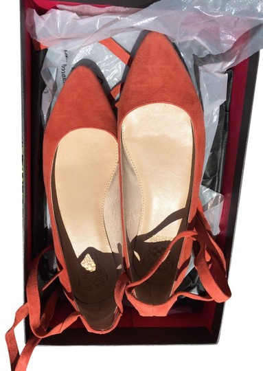 Preload https://img-static.tradesy.com/item/23297190/vince-camuto-orange-bevian-women-papaya-suede-m-pre-owned-with-box-flats-size-us-7-regular-m-b-0-1-540-540.jpg