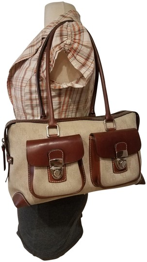 Preload https://img-static.tradesy.com/item/23297446/dooney-and-bourke-doctor-purse-beige-and-brown-leathercanvas-satchel-0-1-540-540.jpg