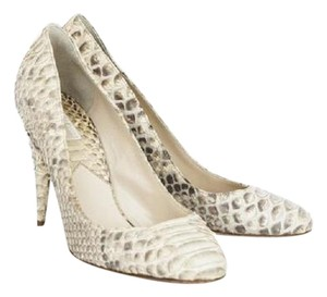 5531756782e6 Michael Kors Python Covered Cream   Beige   White Pumps