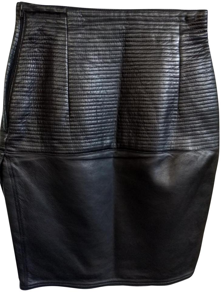 fef3b9a3b78 Versace Black 40 Rare Gianni Made In Italy Quilted Leather Narrow Skirt