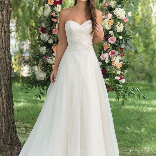 Preload https://img-static.tradesy.com/item/23299615/justin-alexander-light-gold-tulle-and-beaded-lace-6152-feminine-wedding-dress-size-10-m-0-3-540-540.jpg