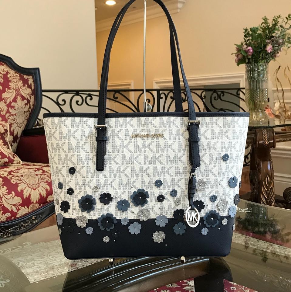 Michael Kors Carry All Jet Set Travel Signature Monogram Floral HandbagPurse WhtNavy Saffiano Leather Tote 26% off retail