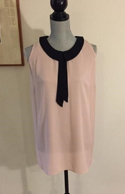 Vince Camuto Sleeveless Keyhole Flowy Top Pink / Black Image 2