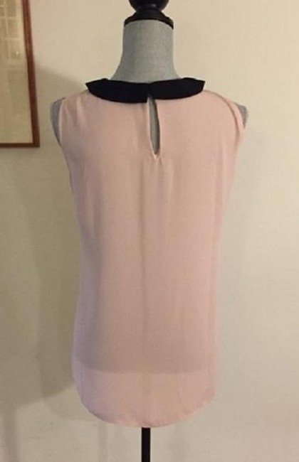 Vince Camuto Sleeveless Keyhole Flowy Top Pink / Black Image 4