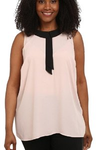 Vince Camuto Sleeveless Keyhole Flowy Top Pink / Black