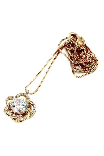 Ocean Fashion Gold Lovely crystal flower necklace Image 1