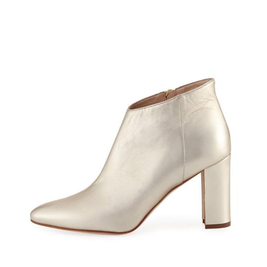 Manolo Blahnik gold Boots Image 0