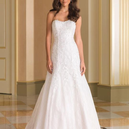 Preload https://img-static.tradesy.com/item/23302111/justin-alexander-ivory-lace-8865-traditional-wedding-dress-size-20-plus-1x-0-0-540-540.jpg