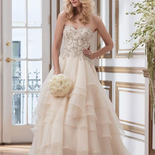 Preload https://img-static.tradesy.com/item/23302127/justin-alexander-light-gold-with-silver-organza-8790-modern-wedding-dress-size-10-m-0-0-540-540.jpg