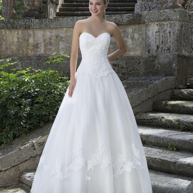 Item - Ivory Tulle and Lace 3904 Traditional Wedding Dress Size 18 (XL, Plus 0x)