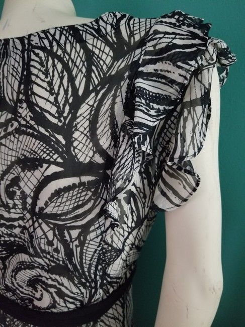 Worthington Ruffles Short Sleeves V-neck Tie Shash Chic Top black & ivory Image 5