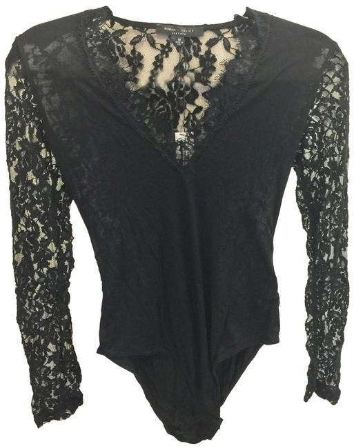 Preload https://img-static.tradesy.com/item/23302490/romeo-and-juliet-couture-blouse-0-1-650-650.jpg