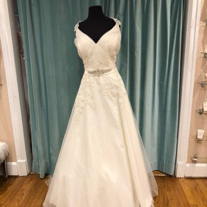 9922d66f48d Allure Bridals Ivory Tulle and Lace W282 Sexy Wedding Dress Size 22 (Plus  2x)