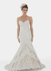 Matthew Christopher Ivory Lace with Satin Corset and Lining Emma Vintage Wedding Dress Size 8 (M)