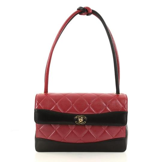 Preload https://img-static.tradesy.com/item/23303539/chanel-classic-flap-vintage-two-tone-knot-handle-quilted-lambskin-medium-red-leather-satchel-0-0-540-540.jpg