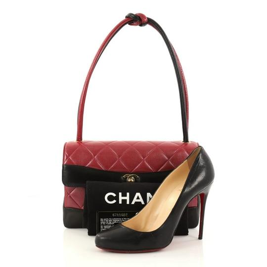 Chanel Leather Satchel in red Image 1