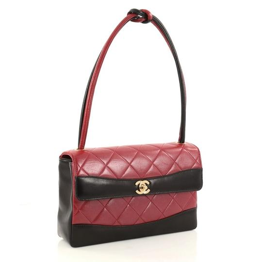 Chanel Leather Satchel in red Image 2