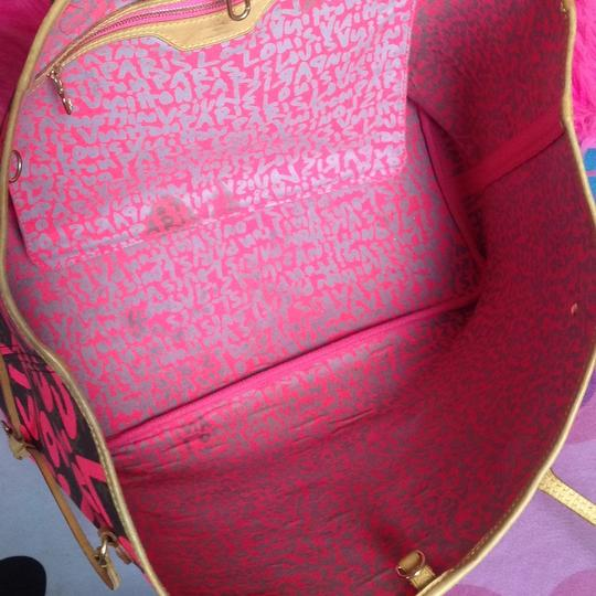 Louis Vuitton Sold Out Limited Edition Celebrity Rare Tote in Neon Pink Monogram Collectors Image 3