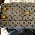 Louis Vuitton Tote in Navy Image 6
