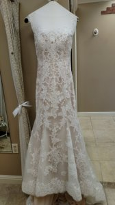 Maggie Sottero Ivory/Nude Lace Noelle Feminine Wedding Dress Size 10 (M)