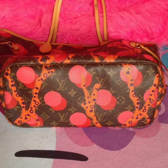 Louis Vuitton Collectors Sold Out Limited Edition Celebrity Rare Tote in Red Coral Pink Monogram Image 9