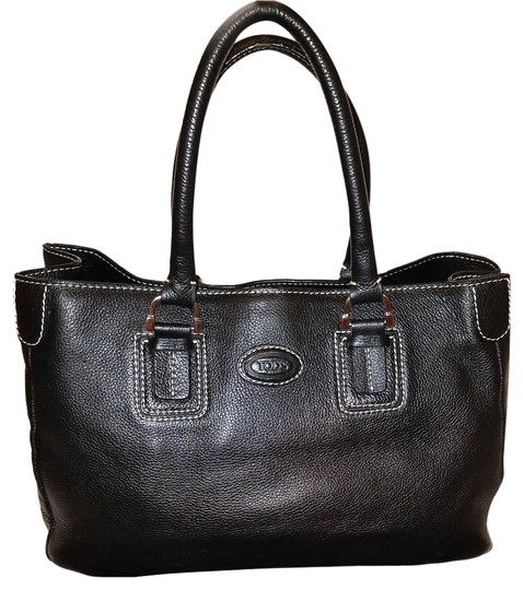 Preload https://img-static.tradesy.com/item/23304530/tod-s-extra-large-handbag-and-dust-black-leather-hobo-bag-0-1-540-540.jpg