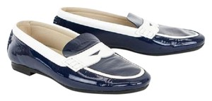 Pas de Rouge Patent Leather Navy / White Flats