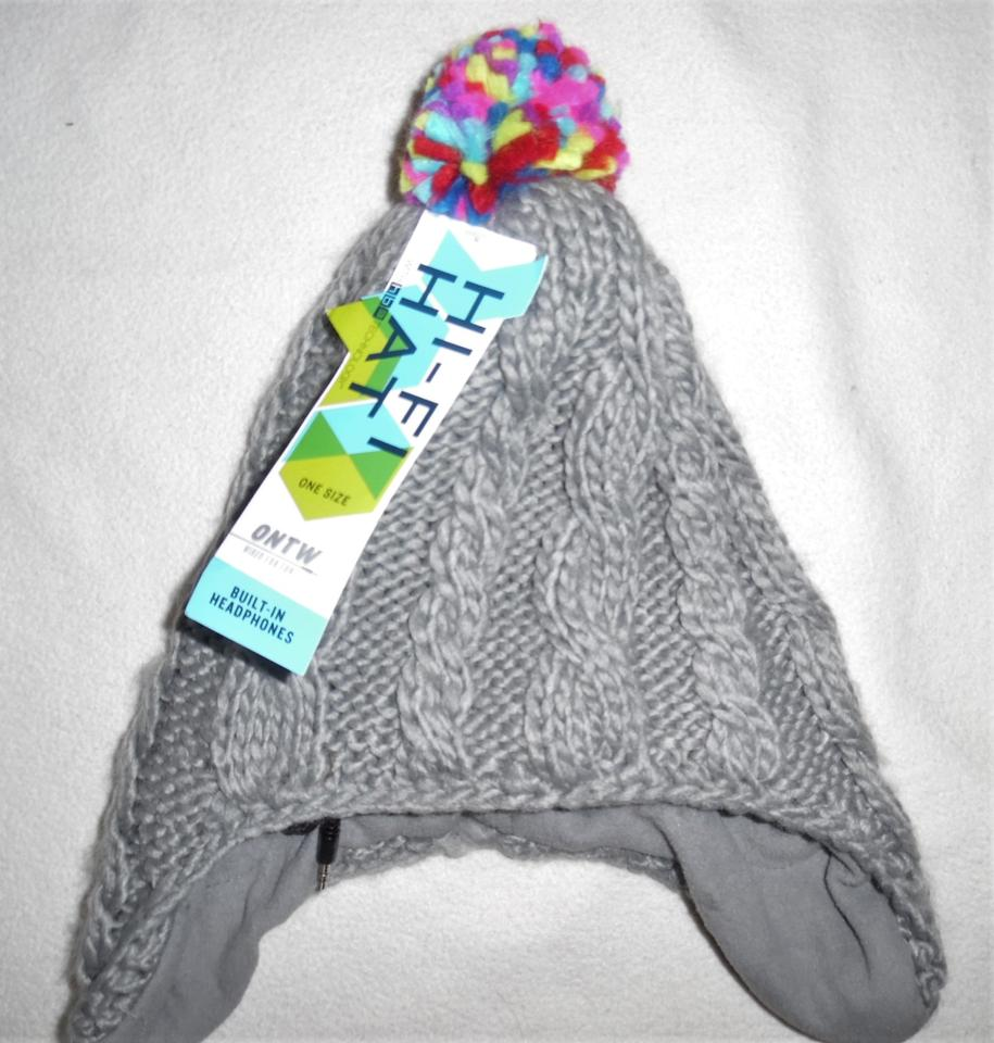 Old Navy Gray Hi-fi Cable Knit Soft Braided Beanie W Headphones Hat ... 6e29a445562