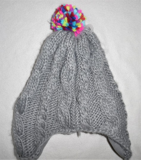 Old Navy HI-FI Cable Knit Soft Braided Beanie Hat w/Headphones Image 3