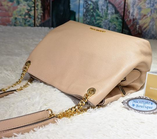 MICHAEL Michael Kors Tote in Oyster Blush Image 3