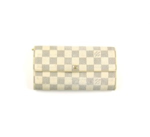 Louis Vuitton Sarah Wallet Damier Azur White Clutch