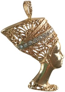 Barmakian Jewelers DIAMOND AND 14K YELLOW GOLD PENDANT OF A LADY WITH A FILIGREE HAT