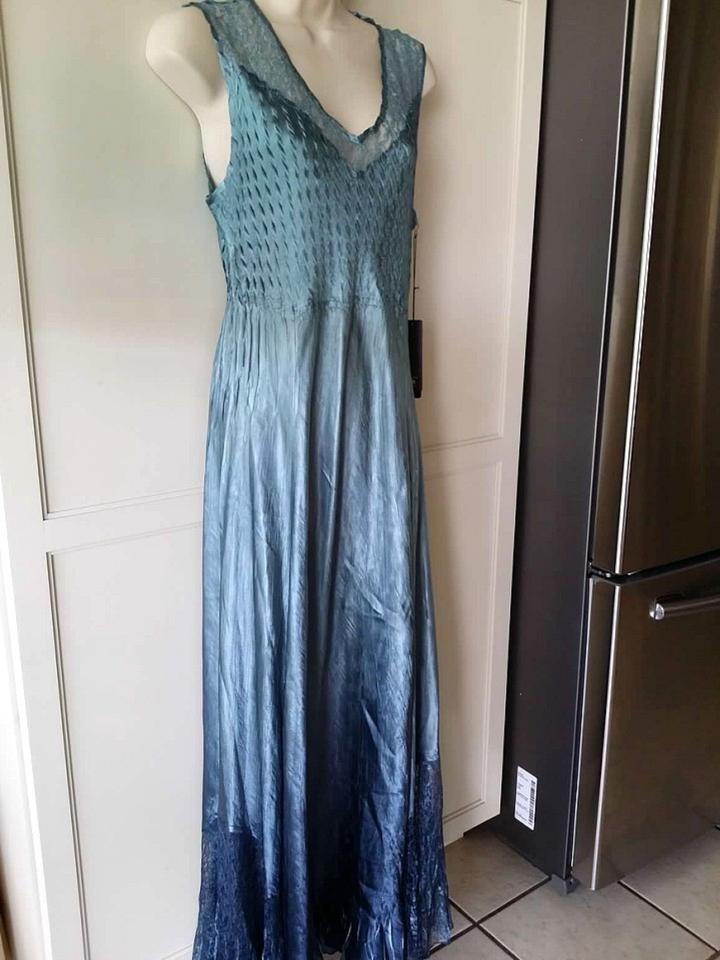Komarov Blue Lace Back Sleevless Gown Matching Shawl Long Formal