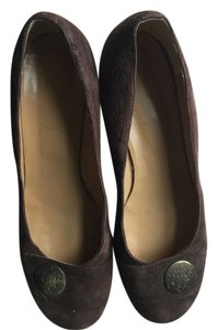 Davos Gomma Suede Leather Kitten Heel Brown Pumps