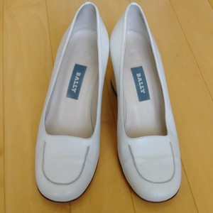 Bally Cream color Mules