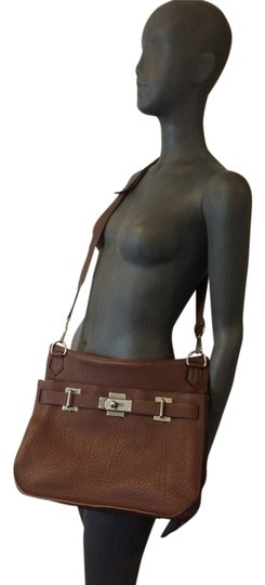 Preload https://item1.tradesy.com/images/hermes-jypsiere-chocolate-brown-leather-cross-body-bag-2331070-0-0.jpg?width=440&height=440