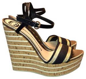 Gucci navy blue and gold Wedges