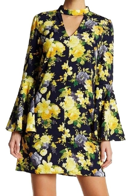 Preload https://img-static.tradesy.com/item/23312674/soprano-yellow-blue-and-pretty-floral-choker-bell-sleeve-short-casual-dress-size-8-m-0-1-650-650.jpg