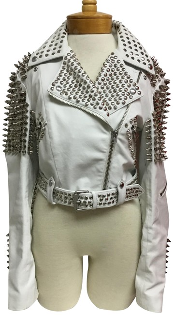 Item - White Cropped with Silver Studs Jacket Size 6 (S)