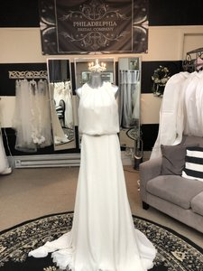 Pronovias Off White Chiffon Veneto Modern Wedding Dress Size 6 (S)