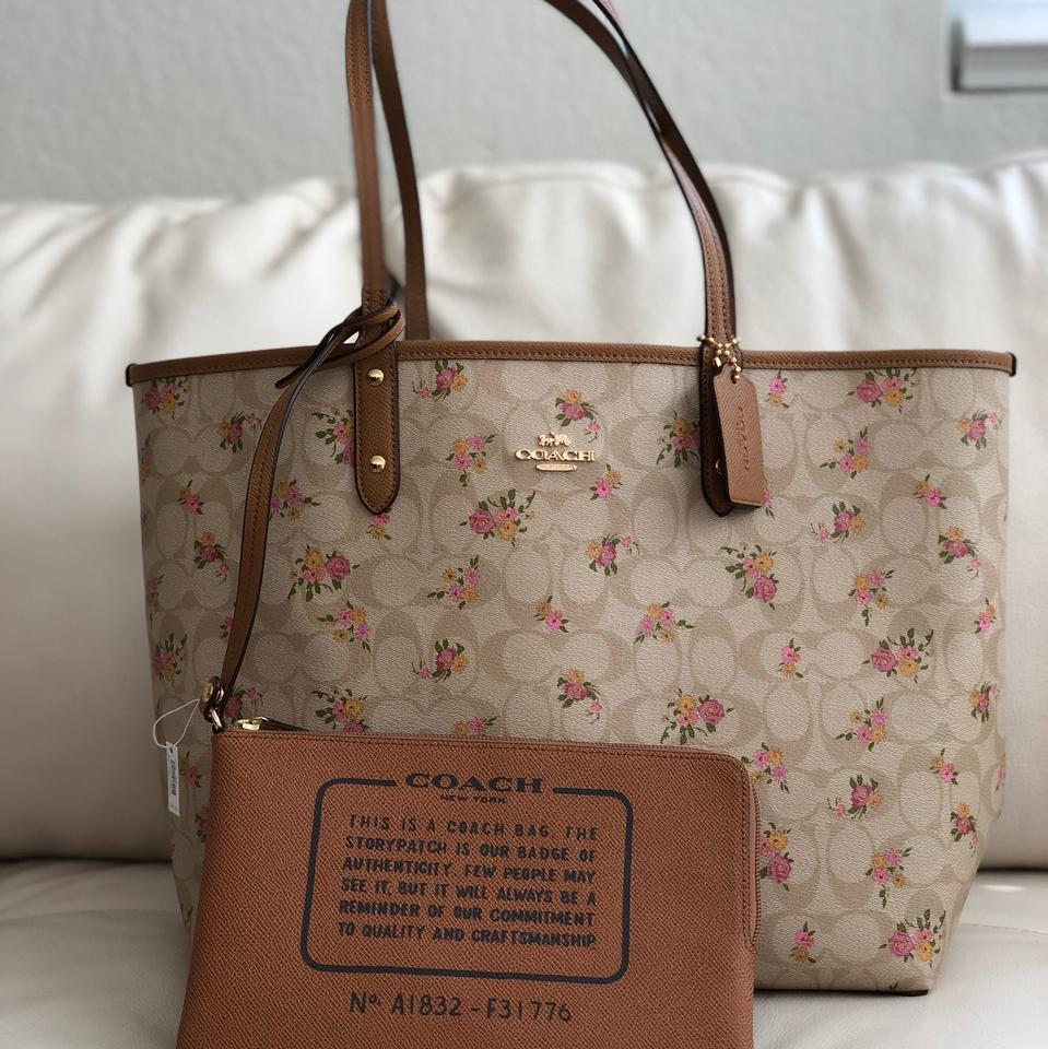 ee7cf9099 Coach City Reversible In Signature with Daisy Bundle Print & Wallet ...